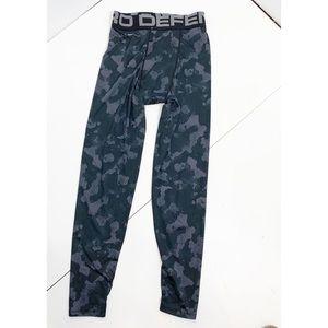 Layer 8 Quick dry gray camo base layer leggings